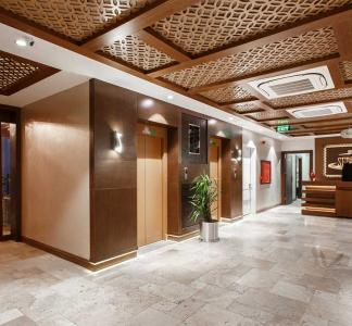 Sera Lake Resort Hotel Lobby
