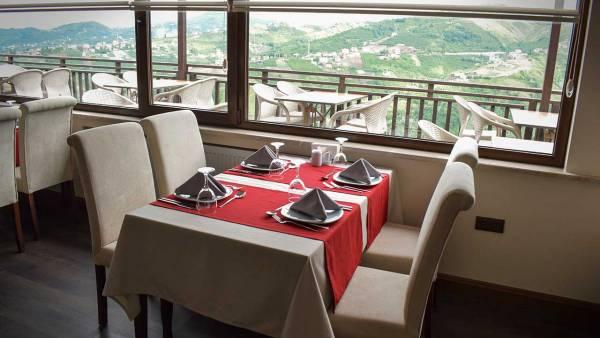 Sera Lake Resort Hotel Restaurant