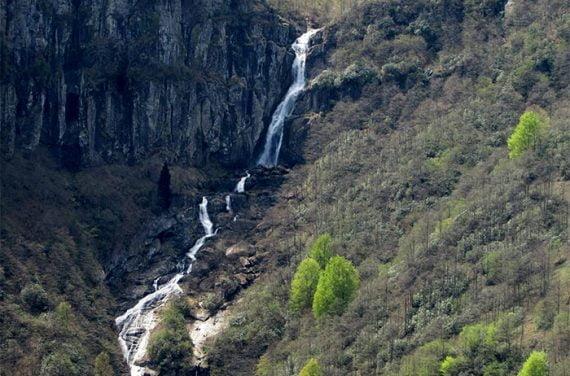 Uçarsu Simba şelalesi Waterfall