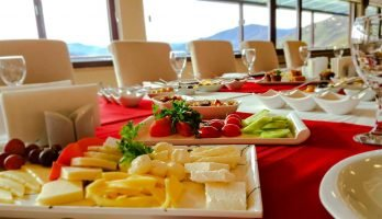 Trabzon'da Açık Büfe Kahvaltı - Sera Lake Resort